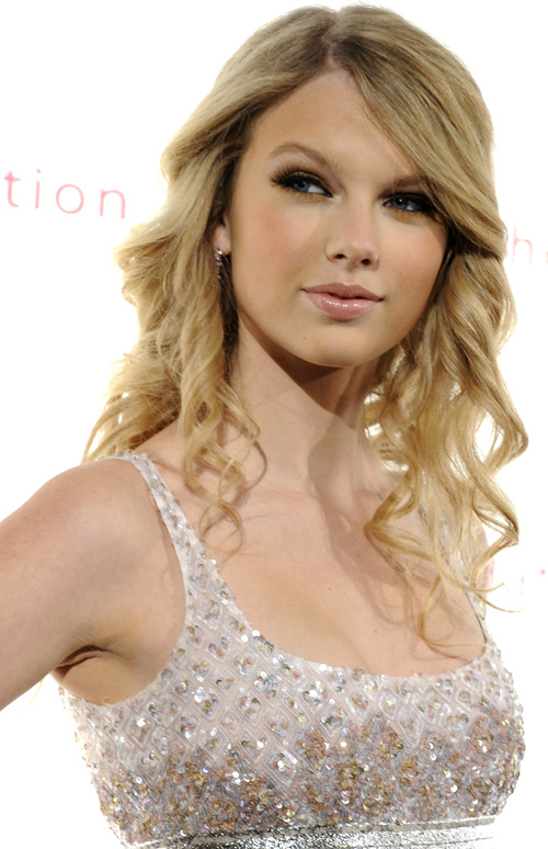 taylor swift ugly eyes. taylor swift eyes makeup