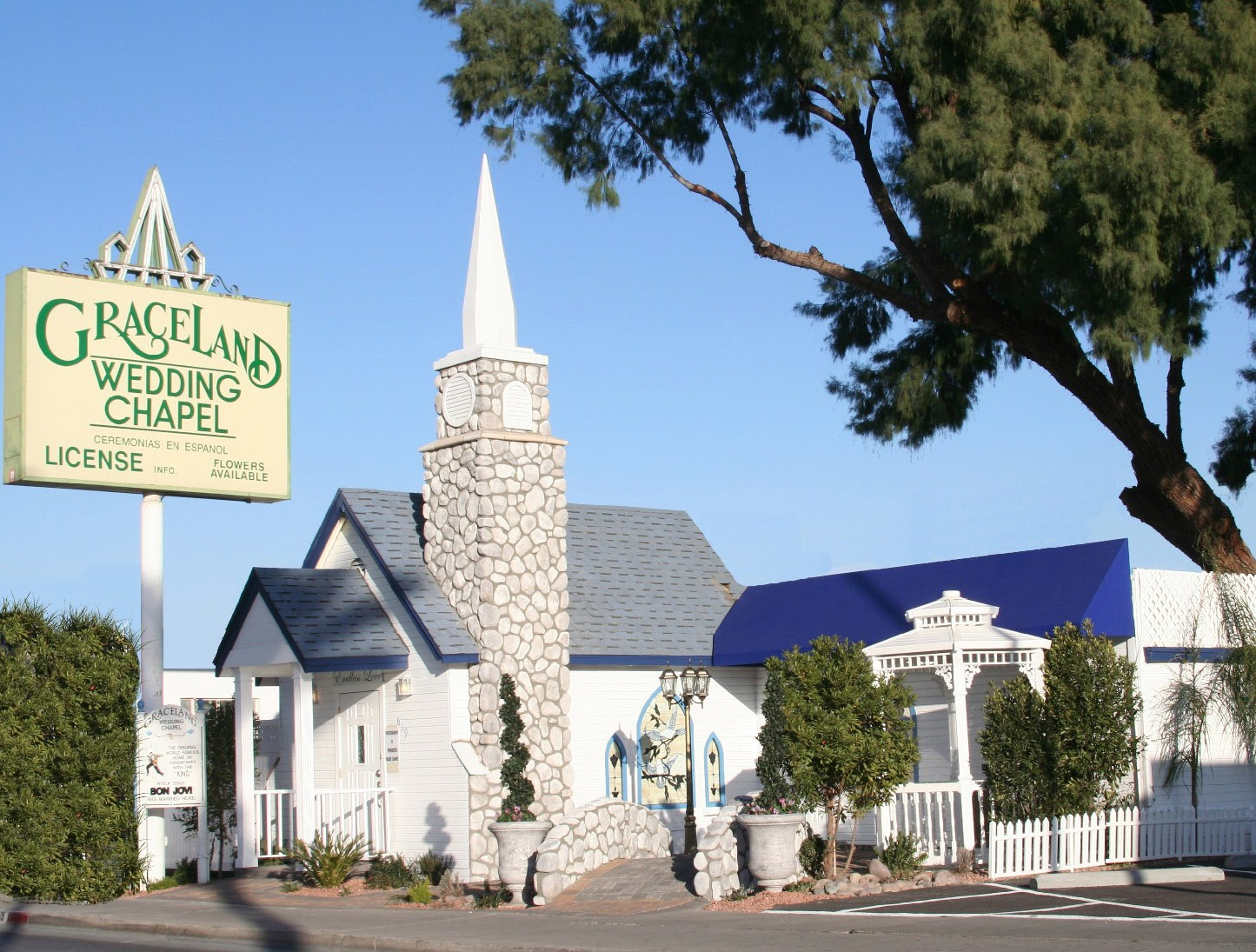 Mod The Sims Las Hearts Wedding Chapel